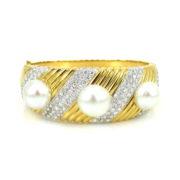 Vintage 7.25ct Diamond & 12mm South Seas Pearl 18K Gold Bangle OA12-6