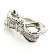 Vintage 1.0ct Round & Baguette Cut Diamond Platinum Bow Ring ED28-7