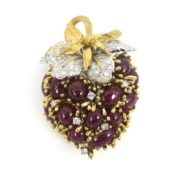 1960's 2.0ct Diamond 20.0ct Ruby Platinum & 18K Gold Red Grape Brooch SM15-3