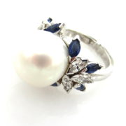 Fine Somenzi Diamond Sapphire & South Seas Pearl 18K Gold Ring WN35-3