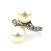 Vintage 0.35ct Diamond & 8.4mm Saltwater Pearl Platinum Twin Ring DB5-25