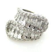 Vintage 5.0ct Round & Baguette Cut Diamond 18K White Gold Crossover Ring RS3-004